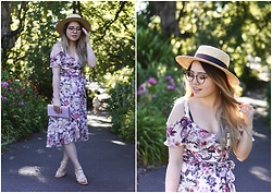Eliza Tanudjaja - Review Utopia Dress, Review Utopia, Lack Of Color Boater Hat, M&F Clutch Bag - Utopia