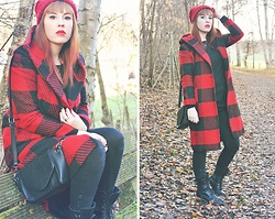 Stéphanie D. - C&A Red Knit Beanie, Dezzal Black And Red Plaid Coat, H&M Black Jumper, Monki Trapeze Bag, C&A Black Pants, Take Off Black Lace Up Boots - ► The little red riding hood.