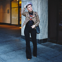 Jessie Bee - Zara Leopard Moto Jacket, Popkiller Biker's Greeting Tee, Report Leopard Booties, Leather Tote, Madewell Market Flares, Douglas & Co Leather Choker - Konbanwa