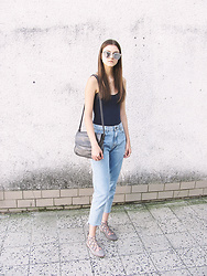 Diana - Pull & Bear Mom Jeans - REFLECTION