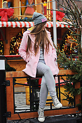 SIMPLY SOUL . - H&M Beanie, Zaful Coat, Stradivarius Pants, New Yorker Sneakers - Christmas Time