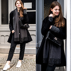 Jacky - Cos Coat, Reserved Pants, Adidas Sneakers, Gucci Bag - All black