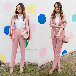 Jenn Lake - Asos Blush Pink Blazer, Asos Blush Pink Pants, Cuyana Mini Chain Saddle Bag, Dannijo Velvet Choker, Quay Gemini Sunglasses, J. Crew White Dress Shirt, Steve Madden Pamperd Pumps, Baublebar Pink Fringe Earrings - Blush Pink Blazer and Pants