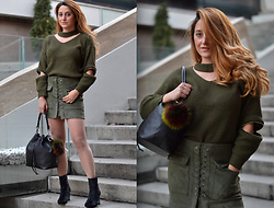 Martina Manolcheva - Gamiss Sweater, Skirt, Backstage Boots, Backstage Bag - The Green Outfit!