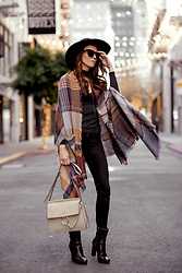 Elise Gabriel - Modern Vintage Boutique Plaid Poncho, Wear Me Pro Black Sunglasses, Levis Black Jeans, Lanvin Boots, Chloe Tan Handbag - Gimme All Dat Plaid