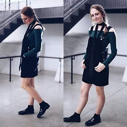 Sarah Nicole - Boohoo Overall Dress, Versona Black Skinny Scarf, Forever 21 Off The Shoulder Top - Overall Classic