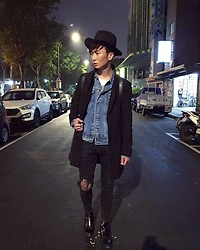 Eragon 莊 - Sample Mens Fashion Gentleman Hat, Asos Black Wool Coat, Asos Black Skinny Jeans, Vanger Chelsea Boot - Today style 16/ 1230