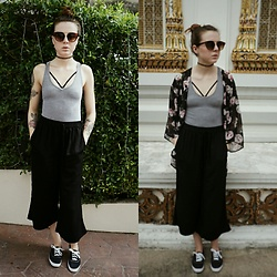 Kelsi Goodwin - Garage Clothing Black Pants, American Apparel Grey Bodysuit, Urban Outfitters Bralette, Missguided Sunglasses, Keds - Temple hopping