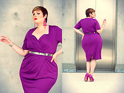Luciana Blümlein - Scarlett & Jo Dress, Asos Belt, Claudia Bauknecht Pumps, Topshop Earrings, Hermès Bracelet, Ysl Ring - • All Purple •