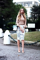 Anna Gotsyk - Primark Choker, River Island Top, River Island Skirt, Kazar Shoes, Christian Dior Bag - New Year's Eve. Hotel du Cap Eden Roc