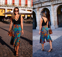 Jessica Tran - Zara Black Lace Bodysuit, Vintage 80s Bold Print Skirt, Vintage Tan Bag, Handmade Spotted Simple Sandals - Sunsets in Madrid
