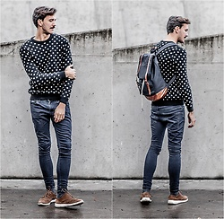 Bartek Piekara - Pull & Bear Sweater, River Island Backpack, H&M Jeans, Pull & Bear Shoes -  The Weeknd - False Alarm