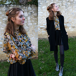 Laurielle Haze - Rosewholesale Golden Hairgrip, Zara Floral Blouse, Vintage Black Coat - Instant Crush