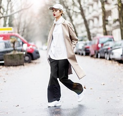 Ebba Zingmark - Brixtol Coat, That Boii Cap, Monki Pants, Weekday Sweater, Nike Sneakers - BOIBYE