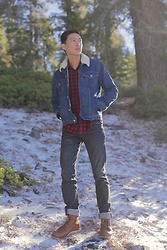 Topher Park - Levi's® Sherpa Trucker Jacket, Uniqlo Checked Flannel Long Sleeve, Standard Cloth Skinny Tapered Dark Denim Jeans, Red Wing Shoes 10875 6 Inch Boot - 눈 | s n o w