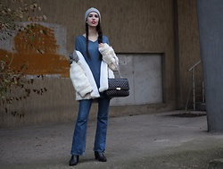 Jelena - H&M Wool Hat, Levi's® Flared Jeans, Asos Ankle Boots, Chic Me Sweater, Mona Leather Bag - Almost monochrome