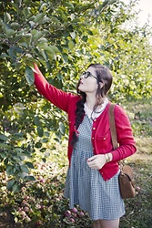 Noelle Downing - Vintage Red Cardigan, Gucci Suede Bag - Apple picking