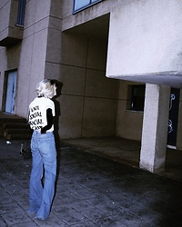 Lau Efron - Anti Social Club Tee - Baking 90'ies ?