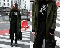 Daria Moysa - Zaful Coat, Zaful Bag - Chinatown