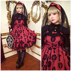 Tori - Angelic Pretty Heavenly Cross Special Set, Angelic Pretty Holy Lantern Otks, Angelic Pretty Lady Cutsew, Angelic Pretty Sister Veil, Angelic Pretty Horror Coffin, Lockshop Wigs Poppy Flax, Angelic Imprint Angel Wing Black Flats - More Blood