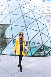 Andrea Funk / andysparkles.de - Reserved Coat, Oasis Ankle Boots - The Yellow Coat