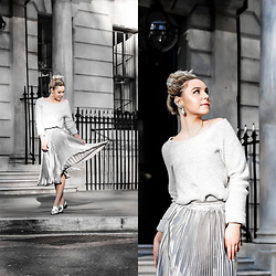 KEENAH Mljac - Boohoo Silver Pleated Dress, Zara Grey Sweater, Topshop Earrings, River Island Silver Shoes - SILVER PLEAT