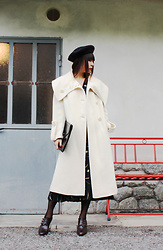 Ping Chiu Armando - Beret, White Coat, Black Clutch Bag - White Coat x Beret