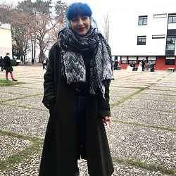 Florence - Zara Scarf, Vintage Shop Coat - Before exams