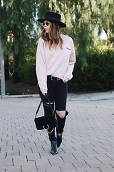 Taylor Smith - Lack Of Color Hat, Topshop Sweatshirt, Urban Outfitters Western Belt, Bcbgeneration Jeans, Chloe Faye Bag, Modern Vice Boots - Babygirl
