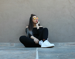 Karen Cardiel - Pull & Bear Fire Socks, Yellow Circular Sunglasses, Nike Air Force 1 - HOTTER THAN HEEL