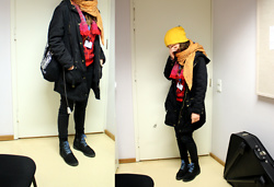 Kommi ,, - PÖff Black Night's Film Festival Bag, Thrifted Favourite Yellow Hat - Visiting music classes since 2003