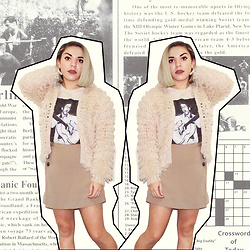 SV - H&M Gold Ear Cuff, Beige Knit Coat, Michael's Elvis Graphic Tee, Forever 21 Beige Skirt - Blonde Elvis