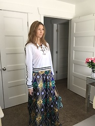 Cindy Batchelor - Choies White Sporty Hoodie, Choies A Line Ethnic Print Maxi Skirt - White Sporty Hoodie and Ethnic Print Skirt