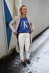 Anna Borisovna - Zara Coat, Calvin Klein Sweater, Massimo Dutti Pants, Giant Vintage Shoes - CK Love