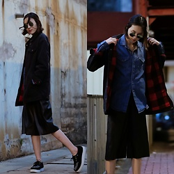 Kara C - Pull And Bear Denim Jacket, T.U.K. Shoes Creepers - Black Denim
