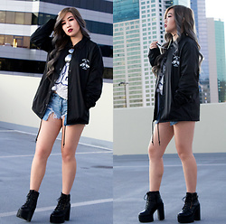 Caitlinaomi - Nys Collection Eyewear Sunglasses, Sketchy Tank Windbreaker, Wego Baseball Tee, American Eagle Outfitters Shorts, Platforms - New Year New Windbreaker