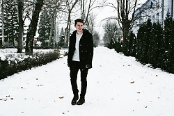 Anel Musanovic - C&A White Sweater, Jack&Jones Black Jacket, Timberland Brown Boots, H&M Black Jeans, Terranova Gloves - Snowflake.