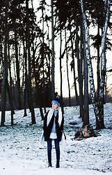 Olga Oktawia - Diverse Sweater, Lee Coat, Guess Bag, Lee Jeans, Diverse Scarf, Zara Shoes, Diy Hat - Winter wonderland