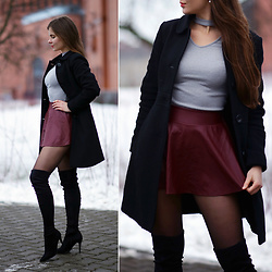 Ariadna M. - Grey Choker Top, Wine Red Mini Leather Skirt, Na Kd Suede Long Boots - Winter