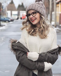 Adelina Bucur - New Yorker Blouse, H&M Jacket, H&M Hat - Winter makes me smile