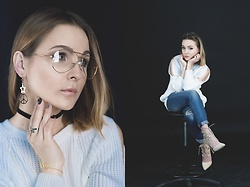 Karolina Oczkowska - Zara Retro Glasses, Levi's® Boyfriend Jeans, Public Desire Beige Lace Up Pumps, River Island Oversized White Sweater, Cosmigold Big Gold Set, Cosmigold Pretty Gold Hand Bracelet, Cosmigold Pretty Star Gold Ring - Retro Vibes
