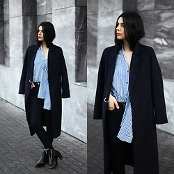 CLAUDIA Holynights - Shein Navy Coat, Shein Stripped Shirt, Levi's® Jeans, 4th & Reckless Boots - Navy