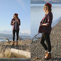 Mackenzie S - Free People Stripped Tee, Old Navy Leggings, Ll Bean Boots, Old Navy Party Glasses!, Herschel Beanie - Pacific Northwest Uniform