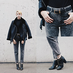 BEHINDHERMASK - Zara Biker Jacket, Zara Grey Acid Mom Jean - I throw a leather biker jacket over everything