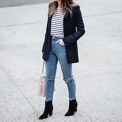 Morgan Schadegg - Mom Jeans, Bucket Bag, Blazer - Mom jeans