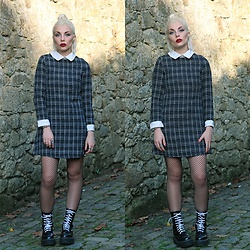 Cátia Gonçalves - Sheinside Dress, Dr. Martens Docs - You see all my light and you love my dark