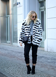 Jules Calling - Gucci Bag, Molly Racken Jacket - MBFWB Look 1 - Keeping warm in Fake Fur
