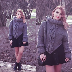 Carina Gonçalves - Handmade Sweater, Oasap Skirt, Parfois Boots - Just a simple touch and it can set you free