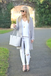 Martina Reynolds - Romwe, River Island White Jeans - Grey Days