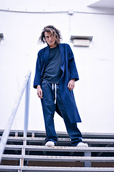 Enea Nastri - Levi's® T Shirt, Zara Cape, Cheap Monday Denim, Nike Air Force 1 - Caping